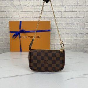 LV women's Brown Plaid key with handbag Wallets